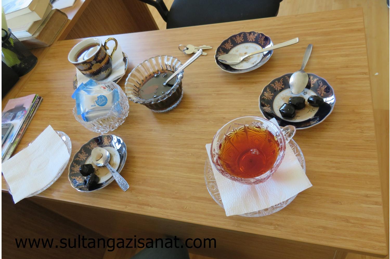 şeki-çay ikramı