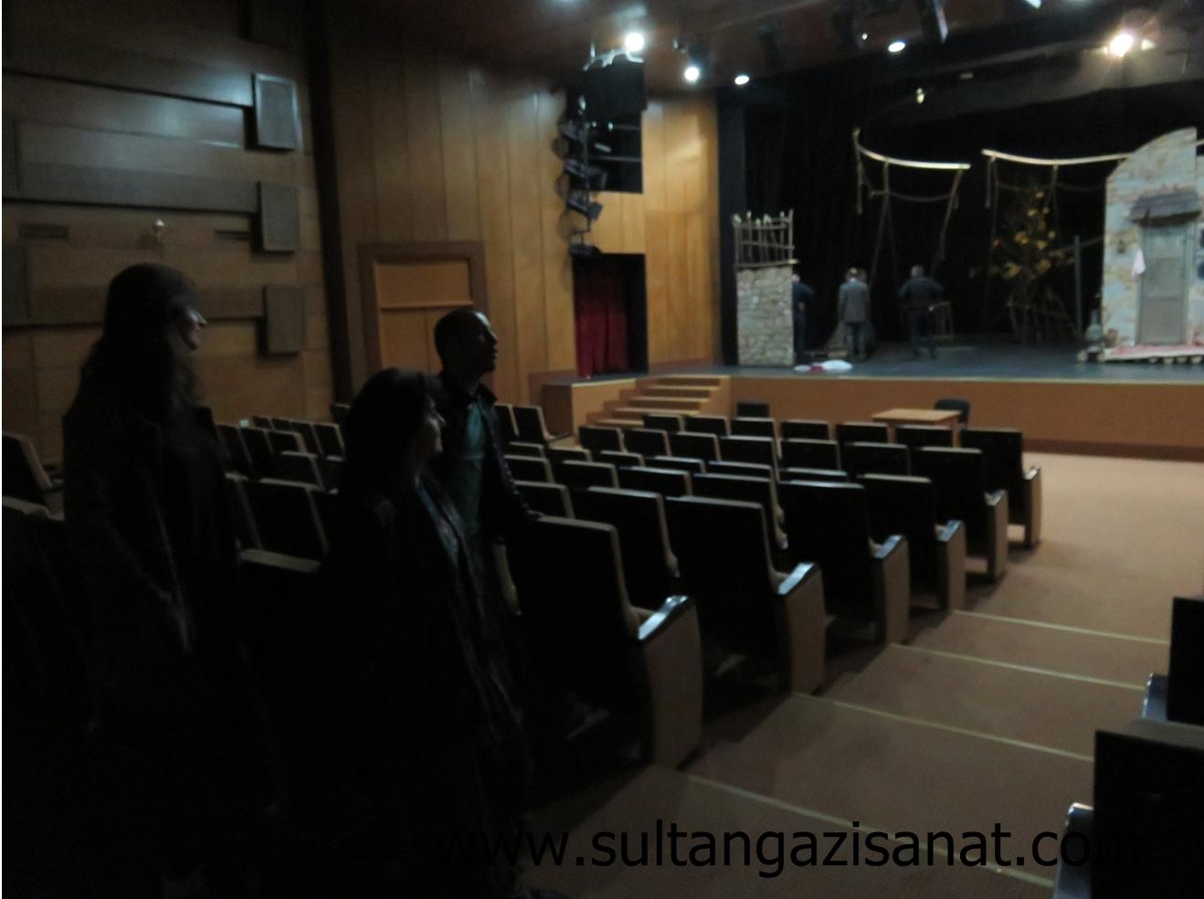 şeki tiyatrosu